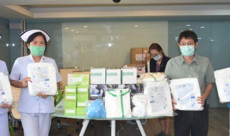 Mr. Sumet Dilokrueangchai, President of ANS Alumni-53 (Sky Lab) Club, generously donated to 16 hospitals.