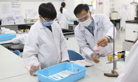 Our Year 8 students studied the Thai biology.