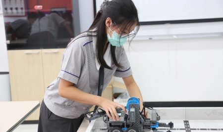 Our Year 9 students applied their knowledge of robotics to complete a classroom.